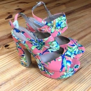 Steve Madden Wellthy Pink Floral Sandal Heels 10